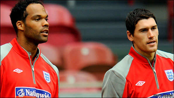 Joleon Lescott and Gareth Barry look set to team up at Manchester City
