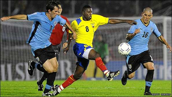 Resultado de imagem para Uruguai vs Equador