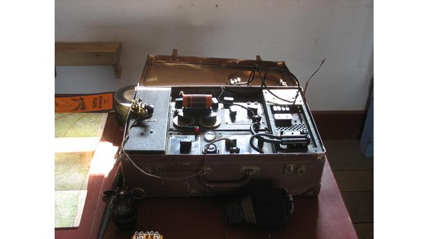 British Suitcase Radio used by SOE Agent
