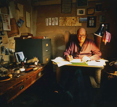 Roald Dahl in his writing hut, circa 1990 © Jan Baldwin, courtesy of The Roald Dahl Museum and Story Centre