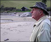 Eric Wallis of the SWCPA on Mothecombe Beach