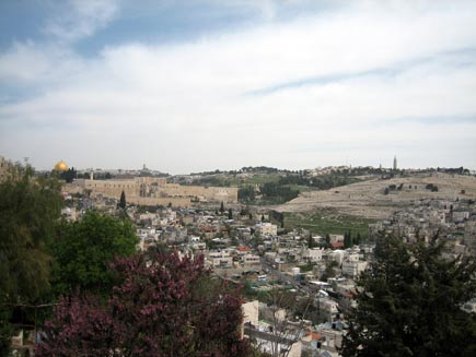 Overview of Jerusalem Old City and Temple Mount, sloping down into the Kidron Valley and up again to the Mount of Olives