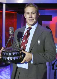 Jonny Wilkinson with the BBC Sports Personality of the Year award
