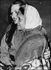 8765234d34879527e77831265f3d070ece3d550f - Indira Gandhi: patriot otoriter