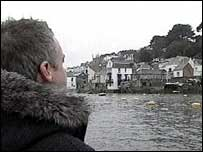 Russell travelling up the river Lerryn