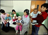 Chinese mothers with babies in hospital