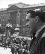 Man reporting on VE Day