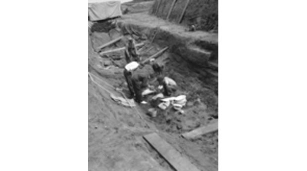 Archaeologists excavating the ship in the 1930s. Copyright Trustees of the British Museum