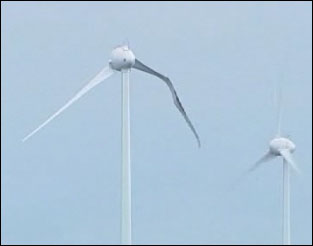 Damaged wind turbine at Conisholme Fell