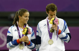 Andy Murray and Laura Robson with their flowers