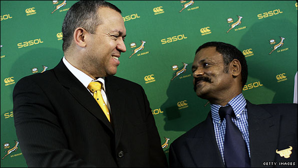 Oregan Hoskins, president of the South Africa Rugby Union, with Springboks coach Peter de Villiers