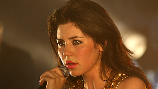 Marina and the Diamonds perform Obsessions