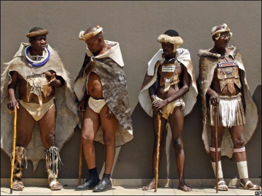 ahora africano trajes