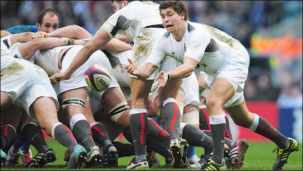 Ben Youngs passes