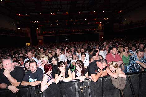 Bbc Cumbria In Pictures Blondie In Concert