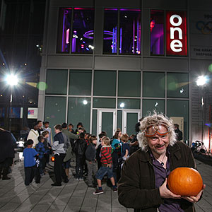 Marty Jopson and pumpkin