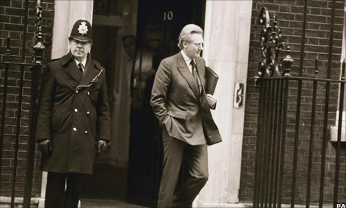 Michael Heseltin leaving 10 Downing St