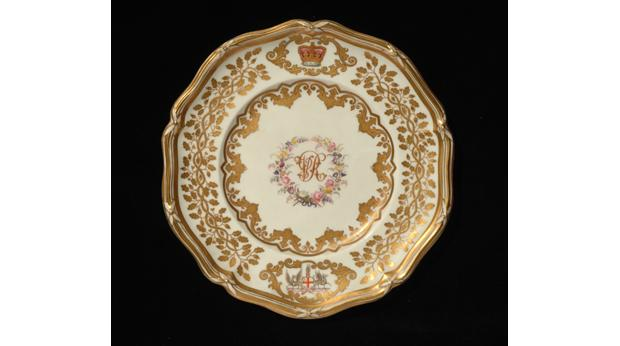 Queen Victoria china by W. Davenport and Co. in Longport