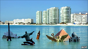 Sculpture protest at Cancun