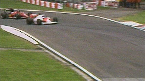 Alain Prost's McLaren takes the lead from Stefan Johansson's Ferrari in the 1985 San Marino Grand Prix