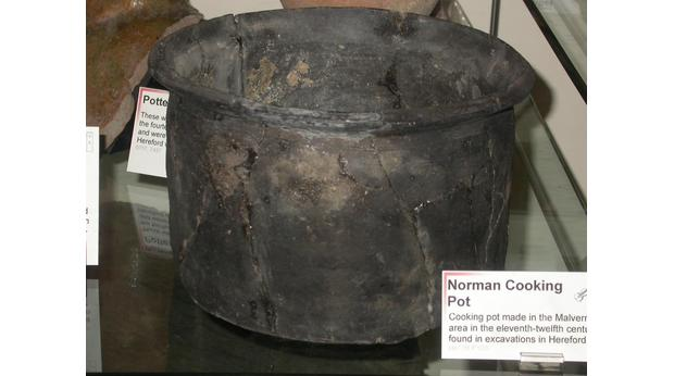 Norman Cooking Pot