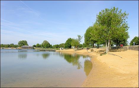 BBC - Gloucestershire - Places - Photos: Cotswold Water Park