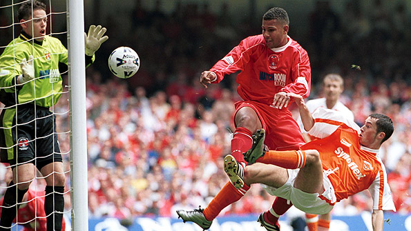 Simon Downer played for Orient at the Millennium Stadium in the 2001 League Two play-off final