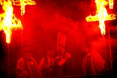 Seventeen burning crosses commemorate Lewes' 17 Martyrs