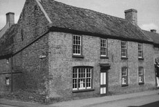 The Globe Inn before it was demolished in 1962