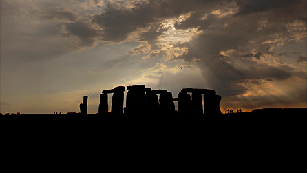 Image of the standing stones at Stonehenge