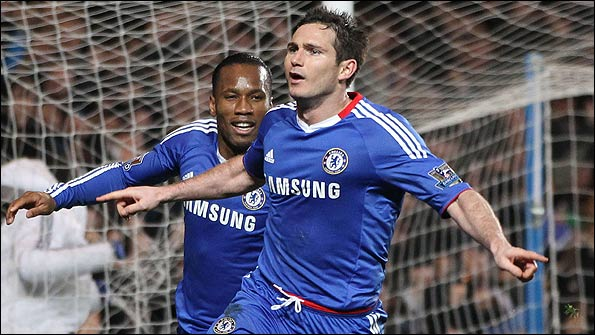 Frank Lampard celebrates after scoring Chelsea's winning goal against Man Utd from the penalty spot