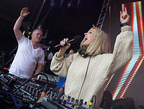 Chris v Fearne Soundclash