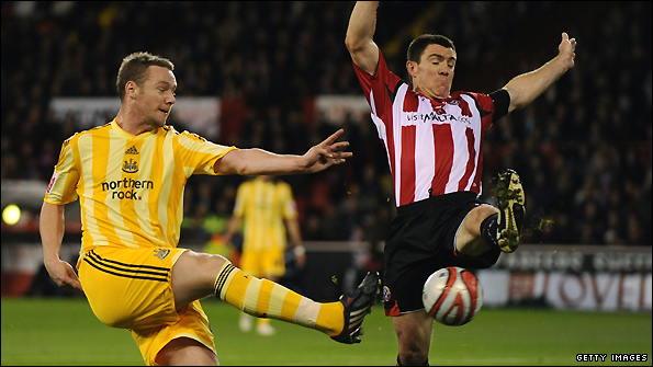Kevin Nolan of Newcastle (left) and Sheffield United's Chris Morgan