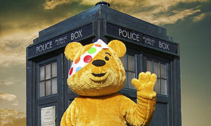 Pudsey outside the Tardis