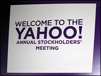 Sign saying welcome to Yahoo meeting