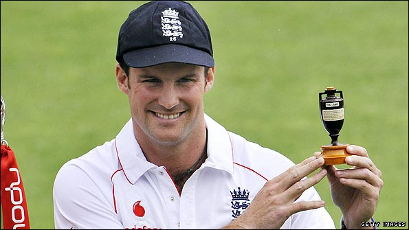 Will Andrew Strauss get his hands on the Ashes urn again?