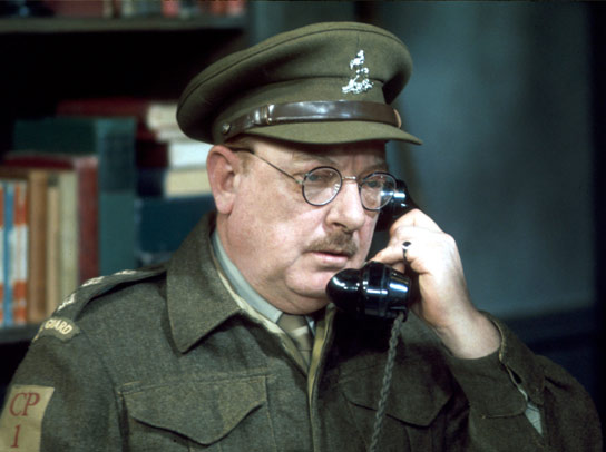 Captain George Mainwaring (Arthur Lowe).