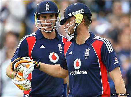 Pietersen and Flintoff batted brilliantly together