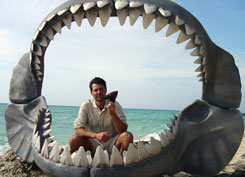 Steve and Megalodon tooth and jaw © Penny Allen