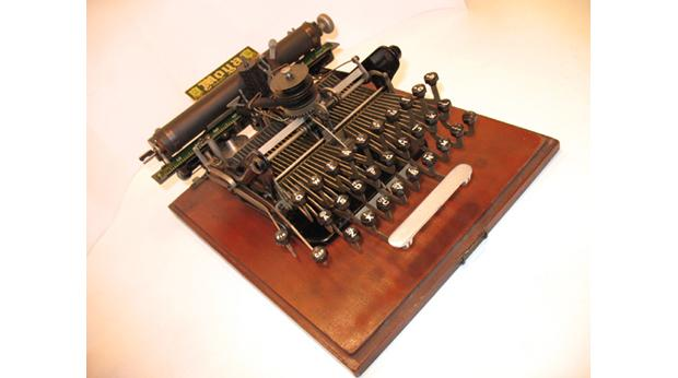 Photograph of Moya Typewriter, Manufactured 1902, Leicester. © Leicester Museums.