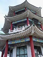 Traditional Chinese pagoda building