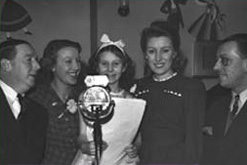Vera Lynn, second from the right, 'Shipmates Ashore' broadcast 1943