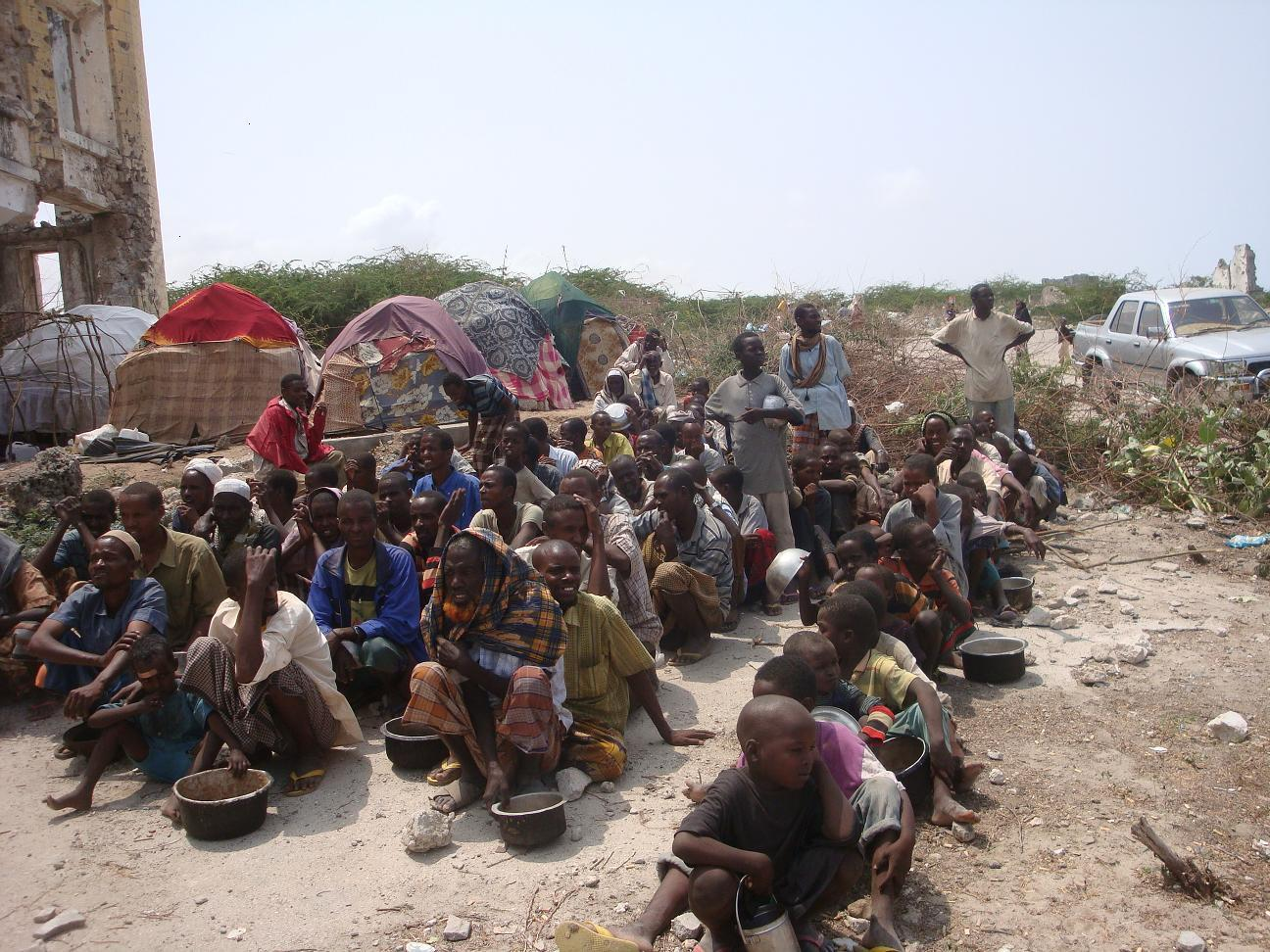 People queueing for food in Mogadishu