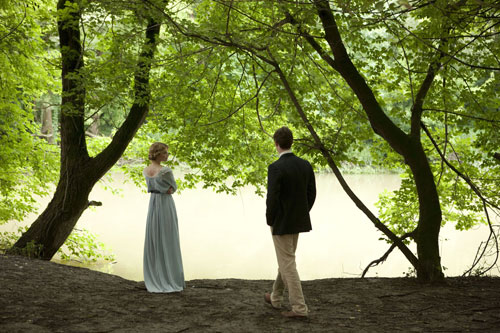 Isabelle Azaire (Clemence Poesy) and Stephen Wraysford (Eddie Redmayne)
