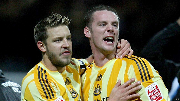 Alan Smith (left) and Kevin Nolan have been effective in the centre of midfield