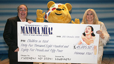 Danny Baker and Vanessa Feltz with Pudsey and cheque