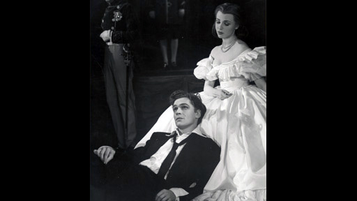 importance of gertrude and ophelia Having trouble keeping track of the main characters in hamlet fret no more this hamlet character analysis with character descriptions will help you follow the play, do well on the next test, and help you impress the ophelia in your life.