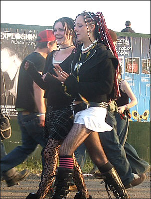 Download festival 2014 day 1 birmingham live.