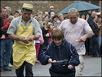 Knob and spoon race - photo Chris Ould