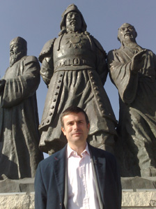 Robert Peston and statue of Genghis Khan